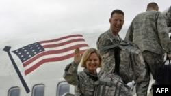 خروج بخشی از سربازان آمریکا از عراق- پایگاه هوایی الاسد؛ اول نوامبر ۲۰۱۱.