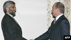 Vladimir Putin (right) and Said Jalili, Iran's chief nuclear negotiator, at a meeting in Russia in 2007