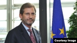 Комиссар Евросоюза по политике в отношении соседних государств и расширению Йоханнес Хан.