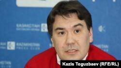 Қазақ-Америка университетінің деканы Нариман Ибрагимов. Алматы, 31 қазан 2013 жыл.