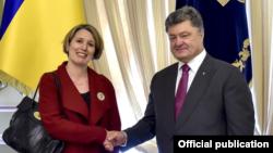 Джудіт Гоф і Петро Порошенко, фото архівне