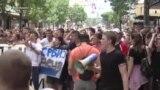 Osnovci u protestnoj šetnji