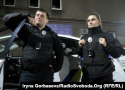 Экипаж патрульной полиции готов заступить на ночное дежурство