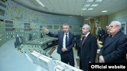 Armenia - President Serzh Sarkisian visits the Metsamor nuclear plant, 23Jan2016.