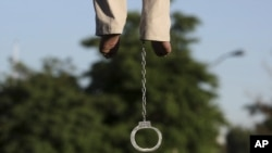 The latest hanging brings to 173 the number of executions reported in Iran so far this year, according to media and official reports.