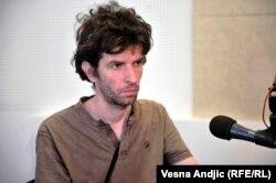 Vlast ima potrebu da simulira da ipak postoji neka vrsta političkog života: Ivan Zlatić
