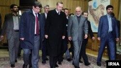 رجب طیب اردوغان مورد استقبال هیات ایرانی در فرودگاه قرار گرفت