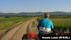 Poljoprivrednici: Mehanizacija stara, putevi loši, prihodi nikakvi.