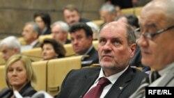 Federalni premijer Mustafa Mujezinović (SDABiH) i ministar finansija Vjekoslav Bevanda (HDZBiH), Fotografije uz tekst: Midhat Poturović