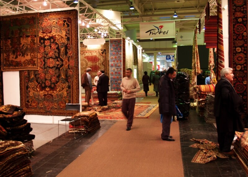 World Chinese Carpet Makers Exploit Eastern Designs