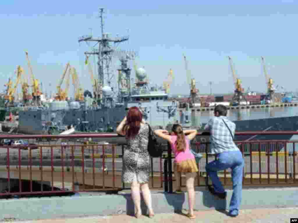 Турецкий фрегат в порту Одессы, 14 июля 2008