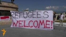 Бегалците се добредојдени-порака од плоштадот Македонија