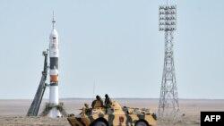 Российская ракета-носитель «Союз» перед одним из предыдущих запусков с космодрома Байконур. Иллюстративное фото.