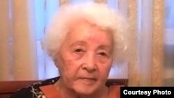 """Гульнар Дулатова, дочь лидерa движения """"Алаш"""" Миржакыпа Дулатова. Алматы, 24 мая 2010 года."""