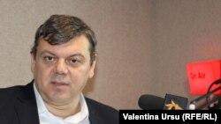 Roman Mihăieș în studioul Europei Libere de la Chișinău