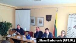 La dezbaterea pe probleme de comunicare NATO de la Ambasada Lituaniei de la Kiev