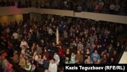 Прихожане церкви «Новая жизнь» в Алматы. 28 января 2013 года.
