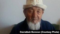 Доскул Артыковдун жээни, эл мугалими Мамасаид Боронов.