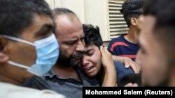 Газада соңку аба соккуларынан жакынын жоготкондор. 10-май, 2021-жыл.