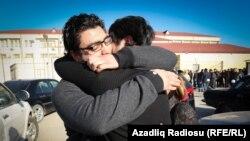 Вышедшие на свободу активисты группировки NIDA (Баку, 30 декабря 2014 года)