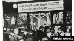 """Tripticul lui Emil Nolde, """"Viața lui Isus"""" (1911/12) la expoziția de """"artă degenerată"""" în 1937"""