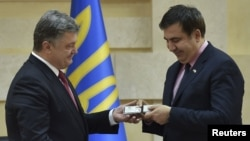 Экс-президент Грузии Михаил Саакашвили, ныне возглавляющий в Украине администрацию Одесской области, может лишиться гражданства родной страны уже в ближайшие дни