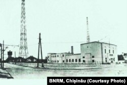 Radio Chișinău, primul post de radio din Basarabia, actualmente blocul USM de pe str. A. Mateevici