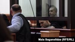 За групповое убийство, совершенное на почве национальной нетерпимости, обвиняемым грозит от 13 до 17 лет тюремного заключения