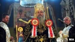 Архиепископот на МПЦ г.г Стефан на божиќна литургија во Соборниот храм Свети Климент Охридски