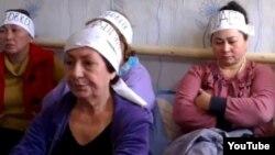 Женщины, объявившие голодовку. Алматы, 21 октября 2013 года.