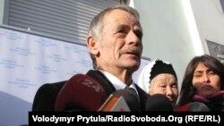 Crimean Tatar leader Mustafa Dzhemilev (file photo)