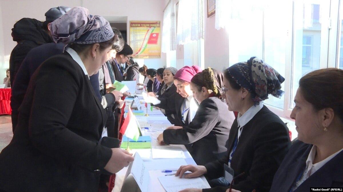 Власть в Таджикистане пытается остановить паническую покупку продуктов через коронавирус