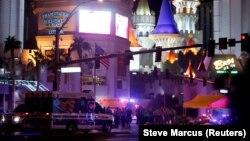Poliția și salvarea la locul atacului din Las Vegas