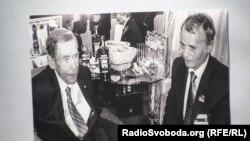 Зустріч двох дисидентів – Вацлав Гавел і лідер кримських татар Мустафа Джемілєв у Празі, 2011 рік