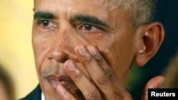 Президент Обама Ак үйдө сүйлөгөн маалда көзүнө жаш алды. 5-январь, 2015-жыл