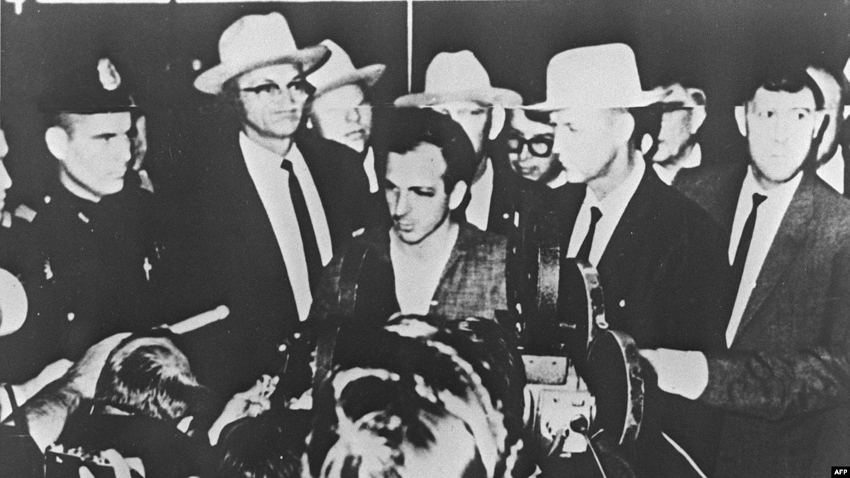 did lee harvey oswald kill jfk essay This question has lingered throughout minds of american citizens for the past 50 years who killed the beloved john frederick kennedy what would be one's intentions behind this atrocious action some say the government was behind his death others say that it was lee harvey oswald, maybe an african american, or even jack ruby.