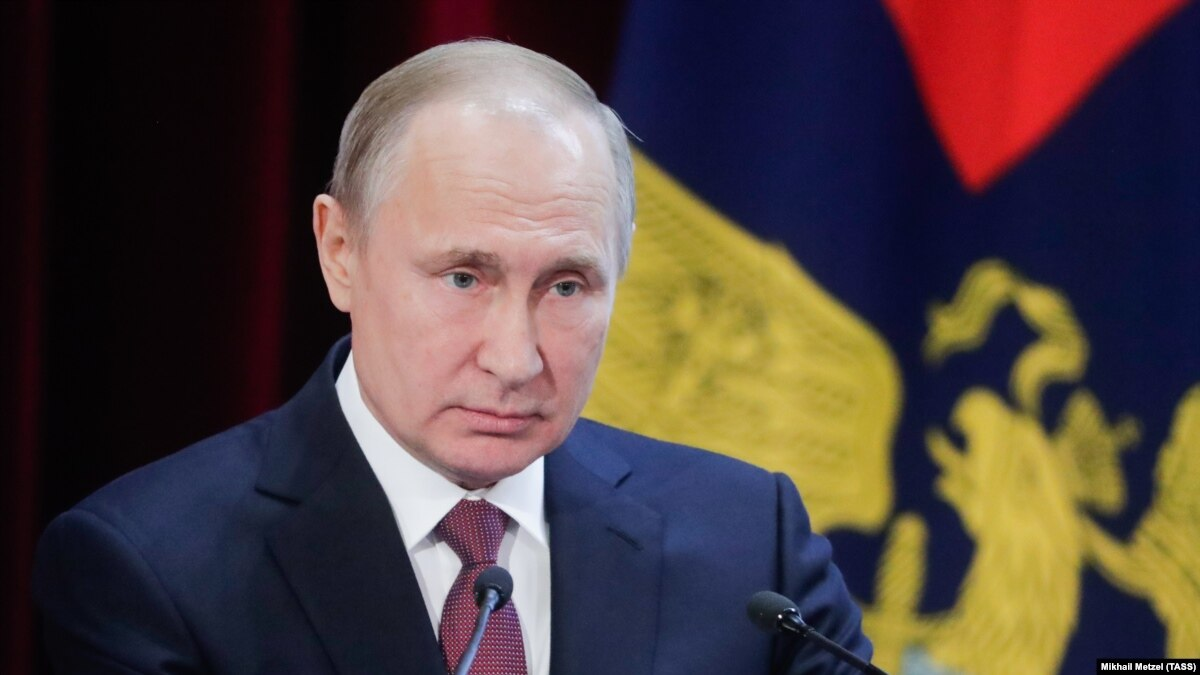 Россия: рейтинг доверия к Путину снизился до нового исторического минимума
