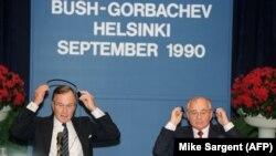 Finlandë - Presidenti amerikan George Bush dhe lideri sovjetik Mihail Gorbachev