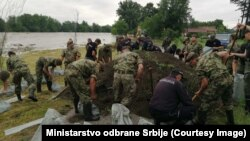 Vojska pomaže u borbi protiv poplava