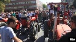 Архивска фотографија, протест на земјоделци пред Собранието, 27 Септември 2012