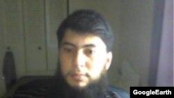 Узбекский беженец Фазлиддин Курбанов приехал в США в 2009 году в качестве беженца и был задержан в 2013 году своей квартире в городе Бойсе.