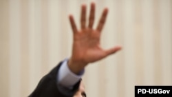 Барак Обама тянется в будущее