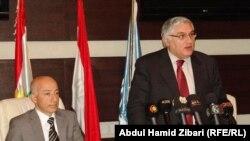 الوزيران فهمي وعلاء الدين يتحدثان في المؤتمر الصحفي بعد توقيع الإتفاقية مع اليونسكو