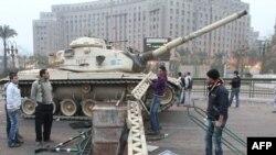 آلية عسكرية وسط القاهرة