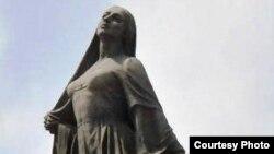 "Bakıda ""Azad Qadın"" heykəli sekulyarlığın simvollarından biri hesab olunur."