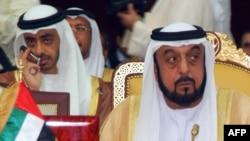 شیخ خلیفه بن زاید آل نهیان حاکم امارات(راست) و شیخ عبدالله بن زاید آل نهیان وزیر خارجه امارات