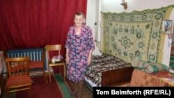 Анна Крикун, узница ГУЛАГа, живёт одна в своей квартире в пригороде Воркуты. 9 февраля 2013 года.