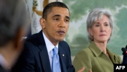 Президент Обама на совещании с законодателями.