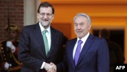 Испания премьер-министрі-министрі Мариано Рахой (сол жақта) мен Қазақстан президенті Нұрсұлтан Назарбаев. Мадрид, Испания, 5 ақпан 2013 жыл.