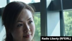 Вена консерваториясының студенті, жас қазақ әншісі Сара Найман Азаттық радиосының Прагадағы кеңсесінде. 9 шілде 2010 жыл.